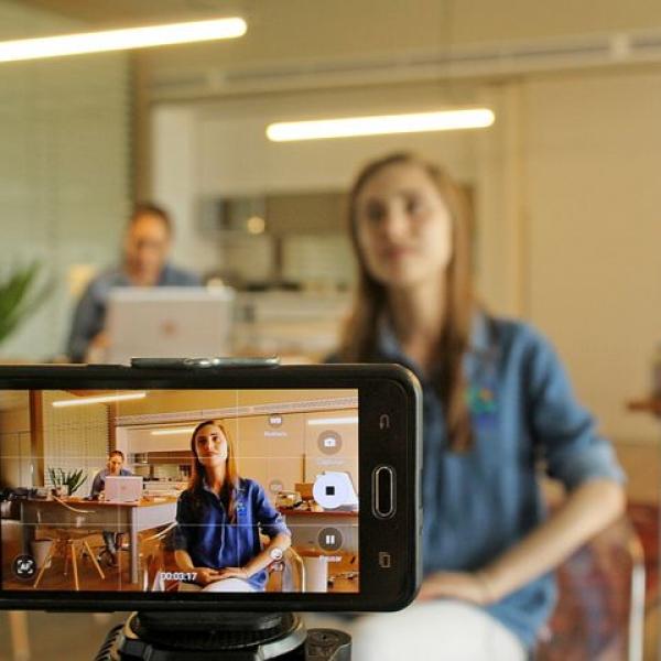 Créer des vidéos promotionnelles avec votre smartphone, c'est le thème de notre atelier du 5 octobre